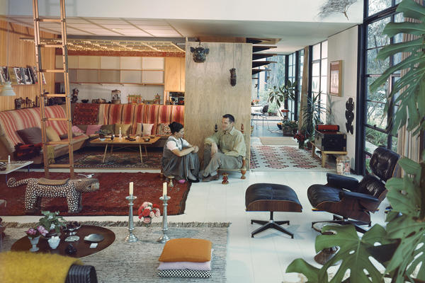 Ray and Charles sit in their living room in 1958. An intimate alcove was tucked into the larger, high-ceilinged room.