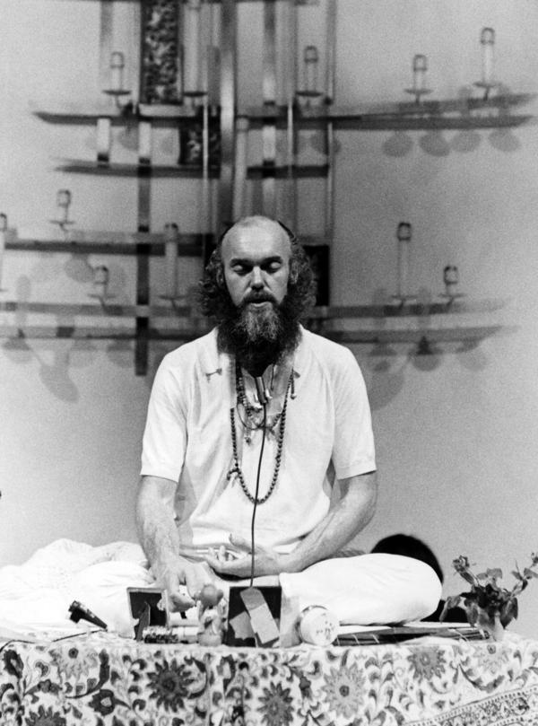 Ram Dass meditates at the First Unitarian Church in San Francisco in January 1970.