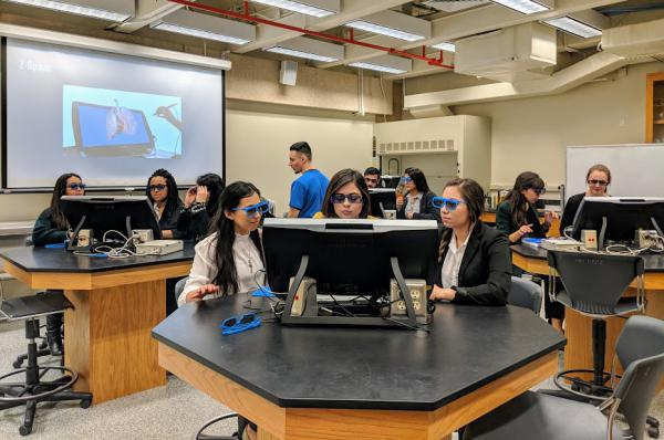 Students at UTSA learn about the human anatomy using a 3D virtual heart.