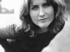 This week's episode features music by Scottish singer and songwriter Eddi Reader.