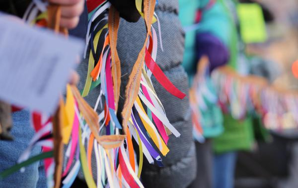 1,000 ribbons, each representing a day Sabido has spent in sanctuary, were strung on lines carried by supporters.