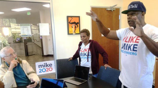 Edrien Wright organizes the first Tampa meetup for Mike Bloomberg, in a library on Nebraska Avenue