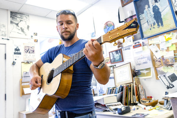 Shaun is one of the apprentices in the Culture of Recovery Program in Hindman, KY. The program teaches people to build stringed instruments.