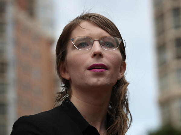 Chelsea Manning, a former intelligence analyst, was ordered released from jail in Alexandria, Va., where she was held for not testifying in the WikiLeaks investigation.