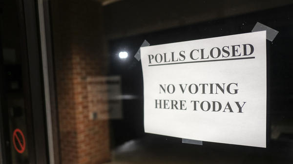 A shuttered polling place in Columbus, Ohio on March 17. Hours before polls were set to open, Gov. Mike DeWine called off in-person voting due to the coronavirus outbreak and is attempting to reschedule the election for June.
