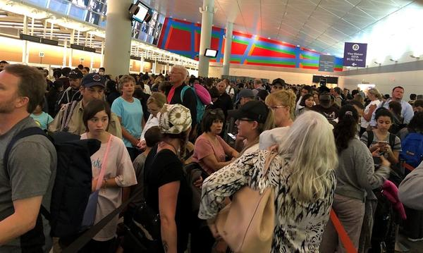 Long lines at Customs at DFW International on Saturday March 14.