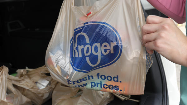 Kroger and the food workers union want grocery staff to be designated as first responders in the coronavirus pandemic.