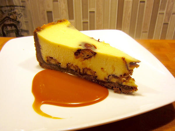 <strong>Girl Scout Cookie Unity Cheesecake:</strong> the mashup dessert you never knew you needed.