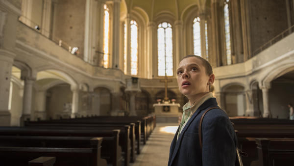 Israeli actress Shira Haas plays Esther, a young woman who flees her marriage and her tight Hasidic community in the Netflix series <em>Unorthodox.</em>