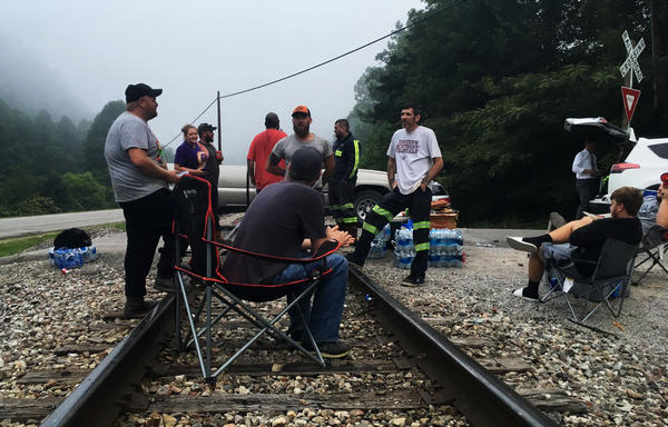 Protesting miners blocked the tracks in the morning fog.