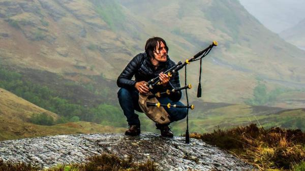 Scottish musician Ross Ainslie is featured on this week's episode.
