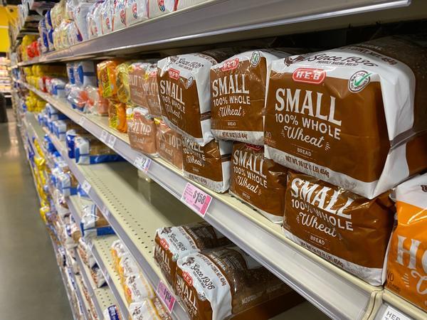 Los fondos de SNAP solo se puede usar paea pagar por los alimentos. Los usuarios deben pagar los gastos de envíos de su propio bolsillo.