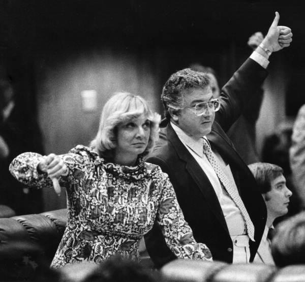 Rep. Barry Kutun and Rep. Gwen Margolis vote in the 1980 legislative session