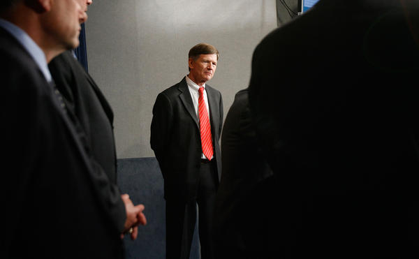 U.S. Rep. Lamar Smith's seat in Texas' 21st Congressional District is open for the first time in decades. Here, Smith is joined by fellow congressmen during a news conference about immigration reform at the US Capitol May 8, 2007 in Washington, DC. (Chip Somodevilla/Getty Images)