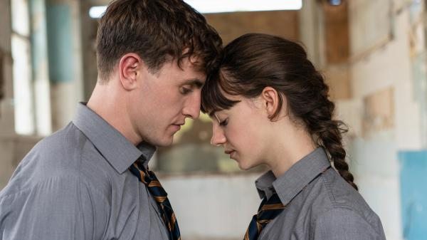 Paul Mescal and Daisy Edgar-Jones play Connell and Marianne, the two closely bonded characters at the center of Sally Rooney's novel <em>Normal People</em>.