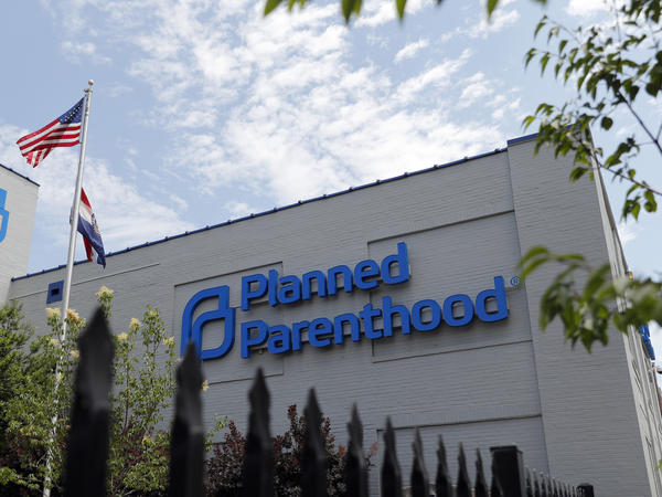Missouri's only clinic that provides abortions, located in St. Louis, will be able to keep operating after a state commission decided Friday, that the health department was wrong not to renew the license of the Planned Parenthood facility.