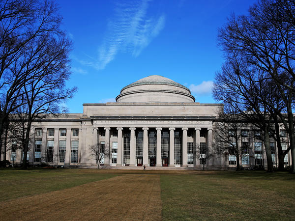 The Massachusetts Institute of Technology is one of more than 300 colleges to endorse a statement about how admissions deans with evaluate applications during the coronavirus crisis.