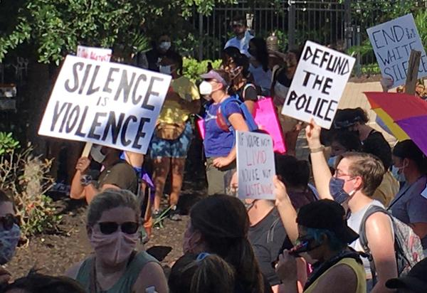 At a South Tampa Black Lives Matter protest in June, protestors called for the police to be defunded. At a Sarasota City commission meeting this week, two residents echoed the call.
