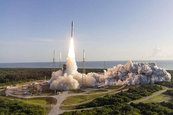 A ULA Atlas V rocket carrying the Mars 2020 mission for NASA lifts off from Space Launch Complex-41 at 7:50 a.m. EDT.