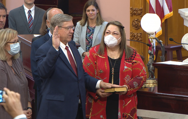 Rep. Bob Cupp (R-Lima) takes the oath as Speaker after his election to that office on July 30.