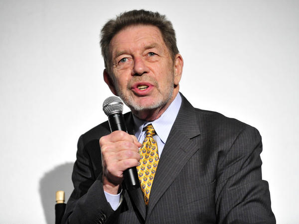 Pete Hamill, on stage in New York City in 2009.