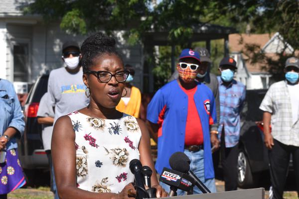 Denise Jackson announces her 1st District Council candidacy at the corner of Western and Ann on Peoria's South Side on Aug. 6, 2020.