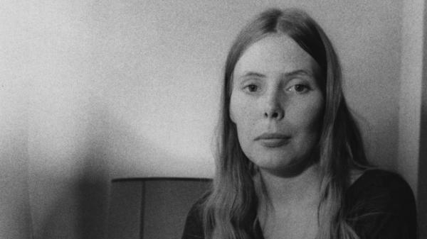 Joni Mitchell, photographed in 1970. An album of Mitchell's early recordings, <em>Archives Volume 1: The Early Years</em>, was among the best archival releases of 2020.