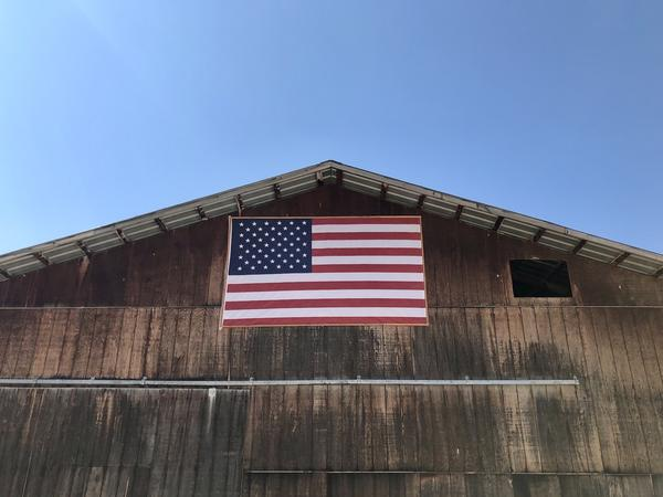 An American flat on a barn outside of Hamilton, Mont.
