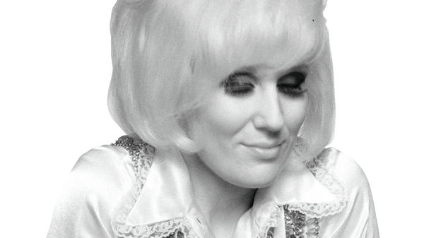 A new Dusty Springfield anthology collects singles from her time with Atlantic Records.