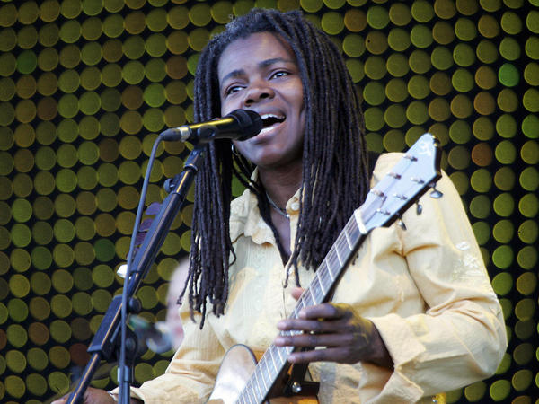 Singer-songwriter Tracy Chapman performs in Carhaix-Plouguer, France, in 2006.