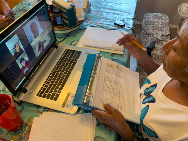 Online Acoma language learning in action