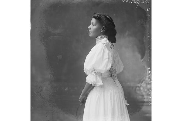Unknown photographer's portrait of Alice Davis circa 1870s-1900s. Glass plate negative photographed in Leavennworth, Kansas, from the Amon Carter Museum of American Art, Fort Worth, Texas.
