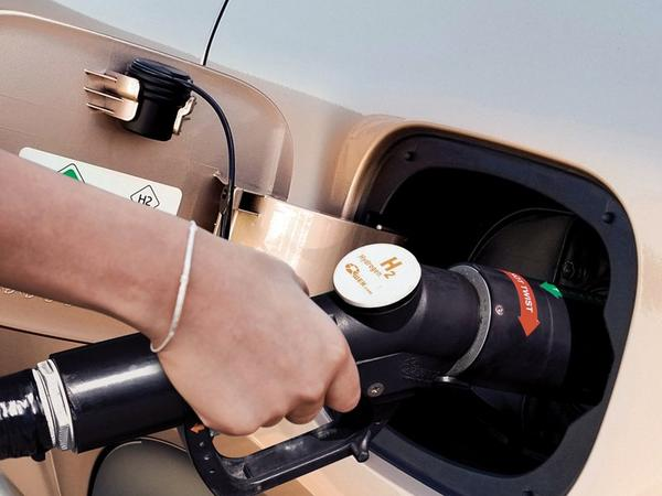 Refueling a vehicle at a hydrogen gas pump could be a familiar, speedy routine akin to how consumers refuel gasoline-powered cars today.