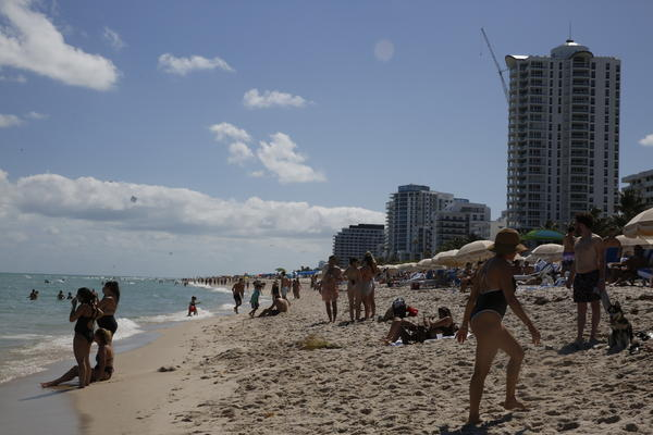 A majority of U.S. colleges have canceled spring break, in an attempt to curb student travel. But the rise of online classes means students can now attend college from anywhere, including Miami Beach.