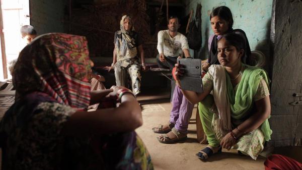 The award-winning documentary <em>Writing with Fire</em> follows Meera Devi (right), chief reporter for the <em>Khabar Lahariya —</em> a news publication run by Dalit, members of India's lowest caste.<em> </em>