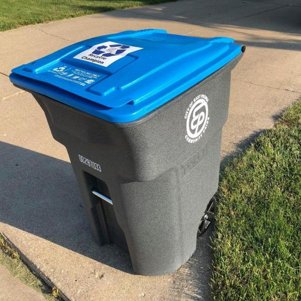 An East Peoria curbside recycling toter.