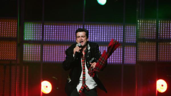 Les McKeown, performing on Aug. 24, 2007 in Sydney.