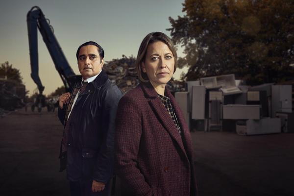 Sunny (Sanjeev Bhaskar) and Cassie (Nicola Walker) head up a police unit in charge of cold cases in the series <em>Unforgotten</em>.