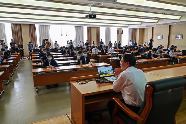 A photo taken during a government organized media tour this spring shows a class in the China Executive Leadership Academy in Yan'an, the headquarters of the Chinese Communist Party from 1936 to 1947, in Shaanxi province.