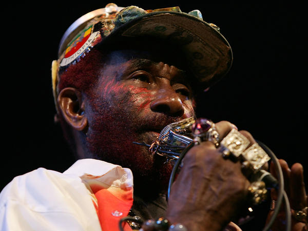 """Lee """"Scratch"""" Perry performs in Australia in 2007."""