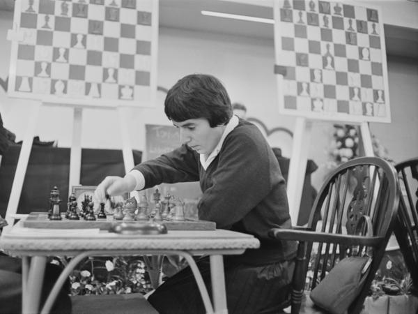 Georgian chess champion Nona Gaprindashvili plays at the International Chess Congress in London on Dec. 30, 1964. She is suing Netflix for defamation and invasion of privacy over its series <em>The Queen's Gambit.</em>