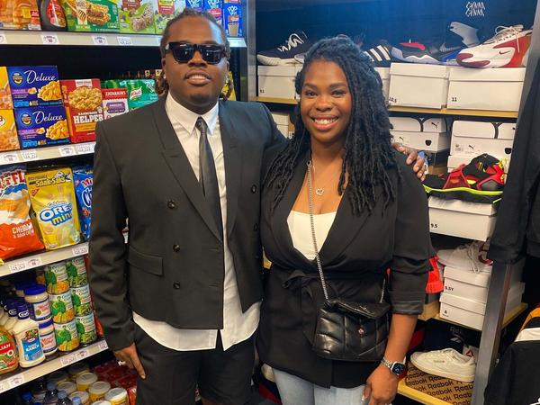 Rapper Gunna and Goodr CEO Jasmine Crowe stop by the Goodr grocery store, at the Atlanta middle school he formerly attended.
