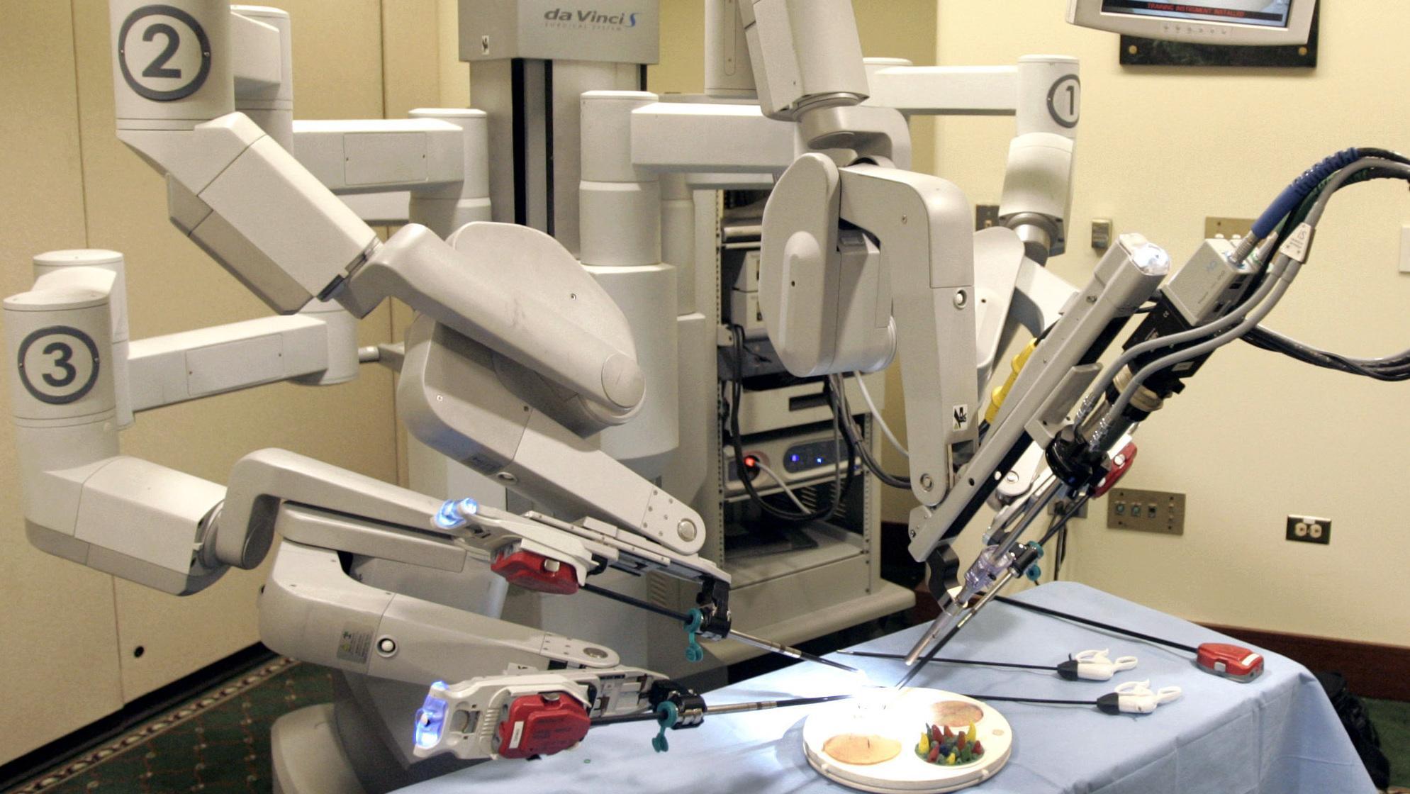 Image result for da vinci robot