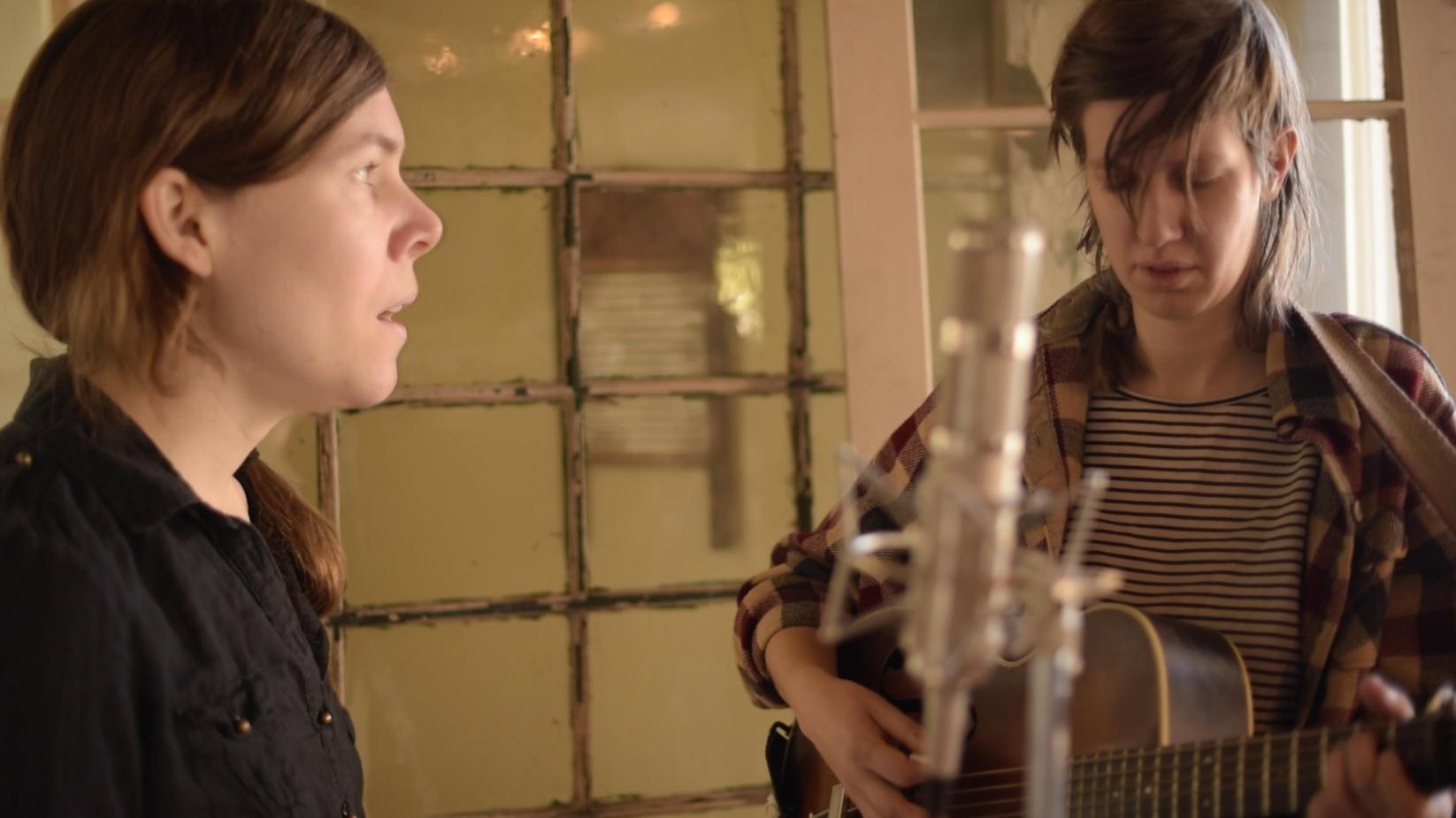 Folk Alley Presents: Anna & Elizabeth | NPR Illinois