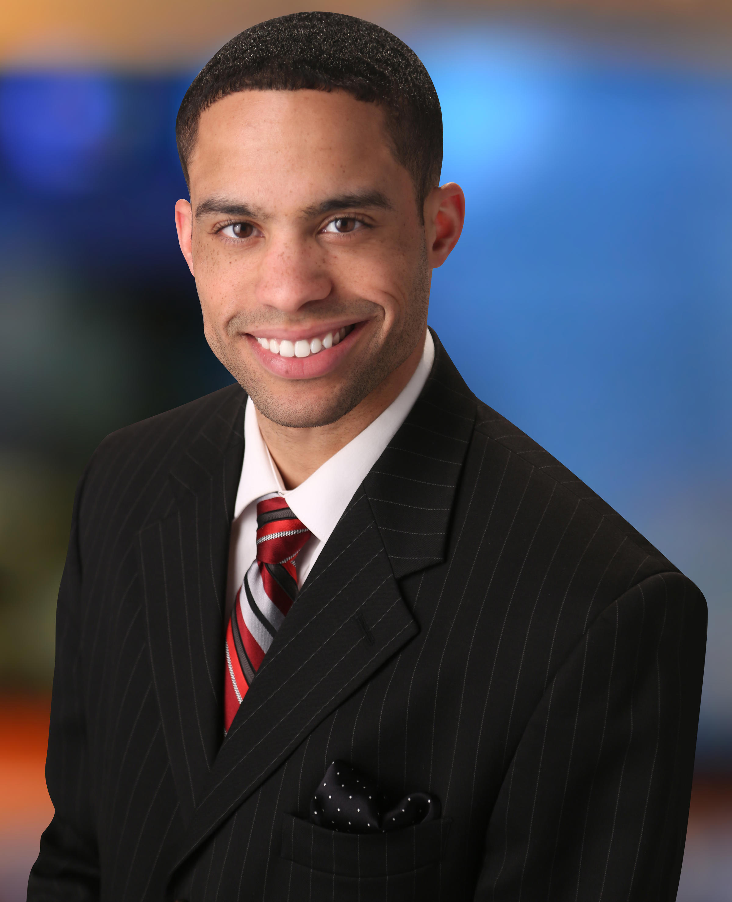 WLWT-TV Hires Morning Anchor, Moves Mark Hayes To Evenings