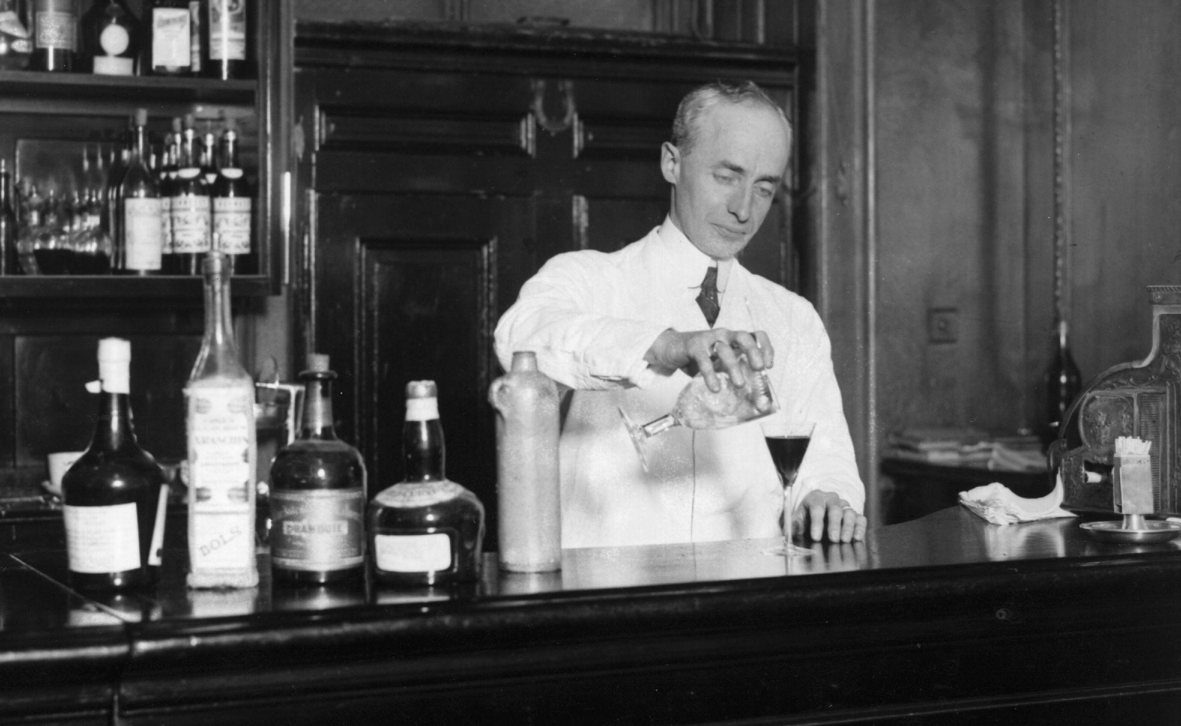 Shake It Up! Vintage Cocktails Are Ripe For Revival | KUNC