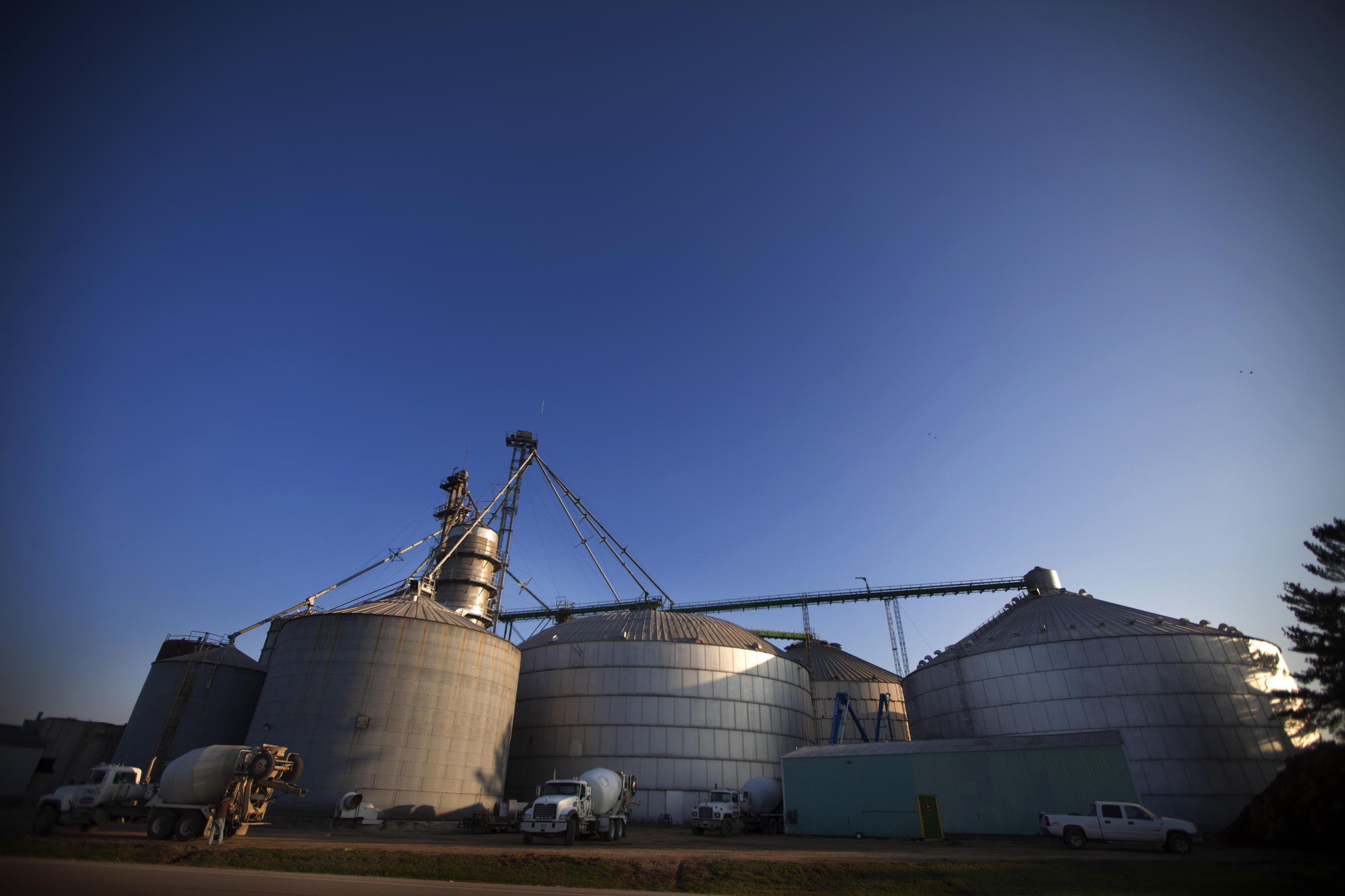 Should Grain Bins On Farms Be Regulated, Too? | KUNC