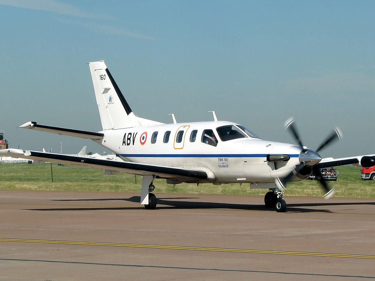Turboprop Plane With Unresponsive Pilot Crashes Off Jamaican