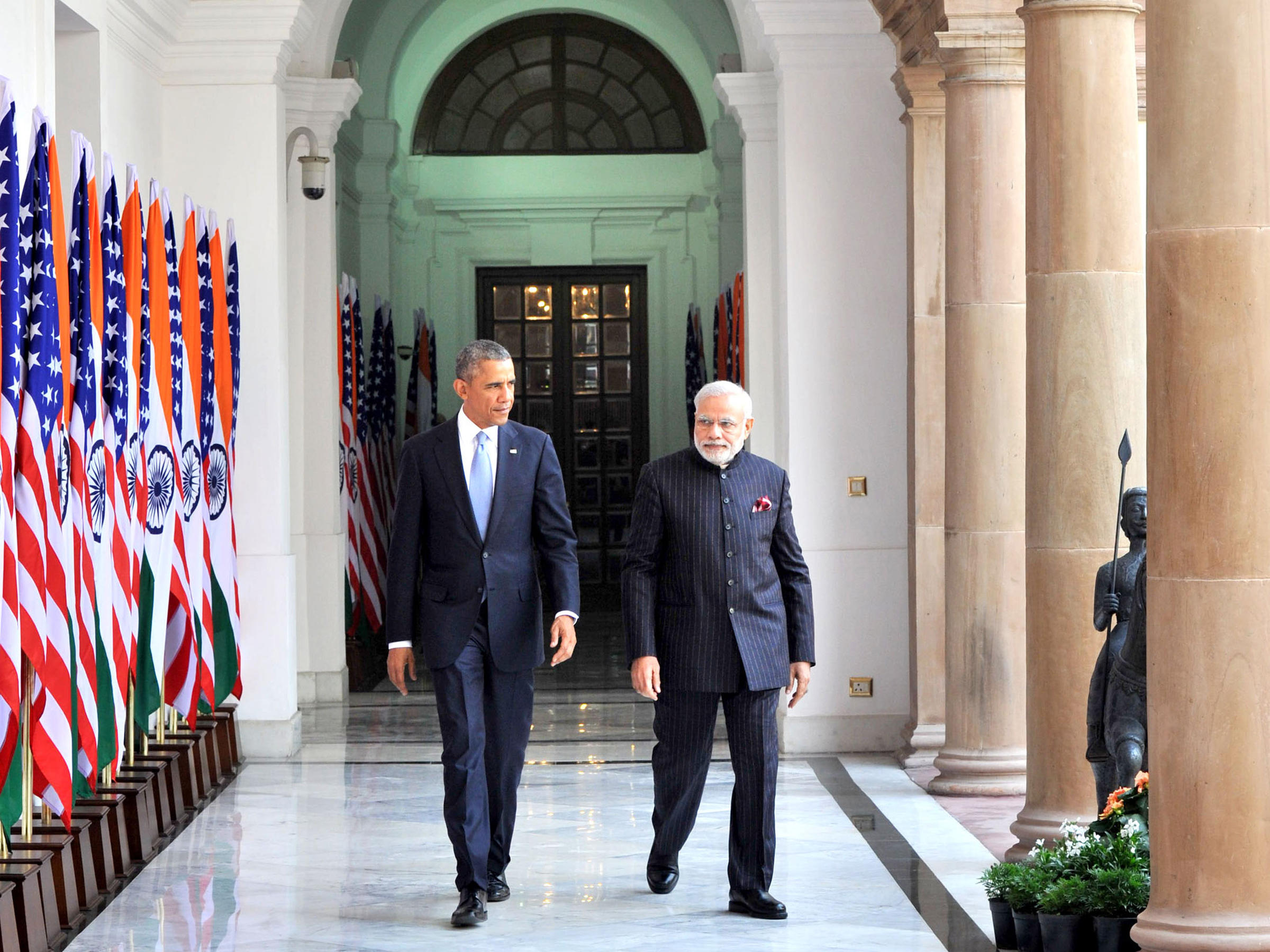 U S  And India Announce New Ties On First Day Of Obama's
