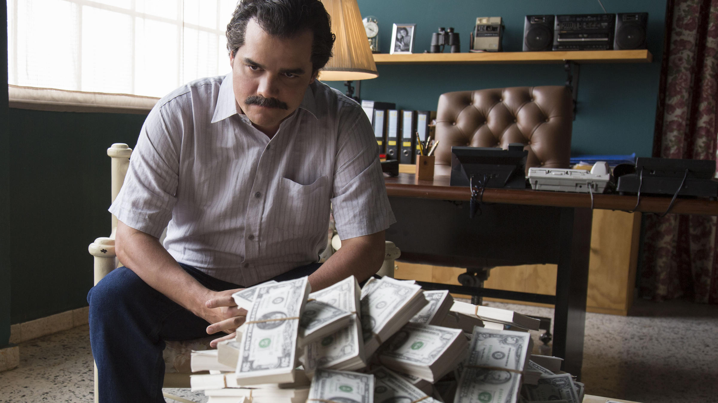 Image result for wagner moura narcos